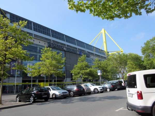 Eingang Signal-Iduna-Park - Westfalenstadion