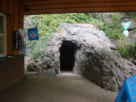 Der Höhleneingang