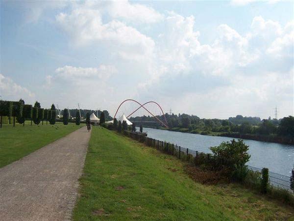 Rhein-Herne-Kanal mit Kanalbrücke