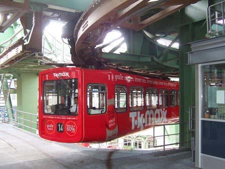 Anblick der Wuppertaler Schwebebahn