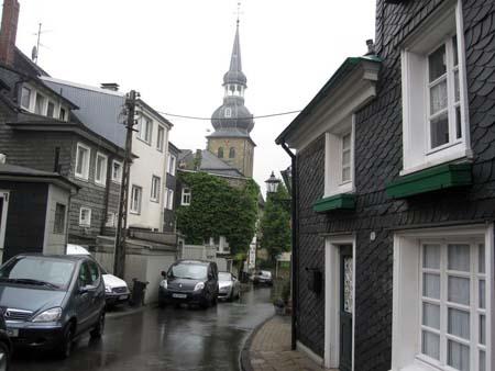 Cronenberg Altstadt, Schieferhäuser und Kirchturm