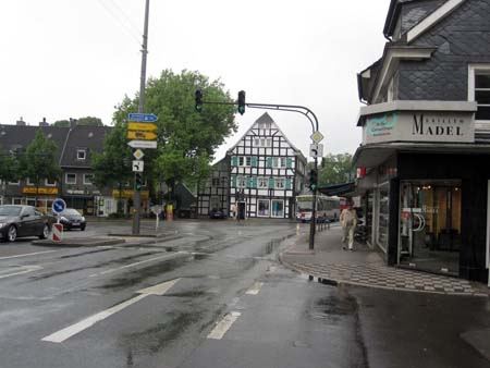 Zentrum und Hauptkreuzung, Cronenberg