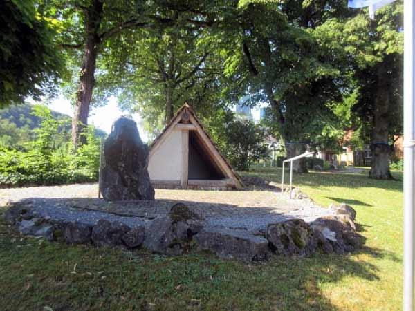 Ehemalige Freiheit mit sächsischem Grubenhaus in Alme