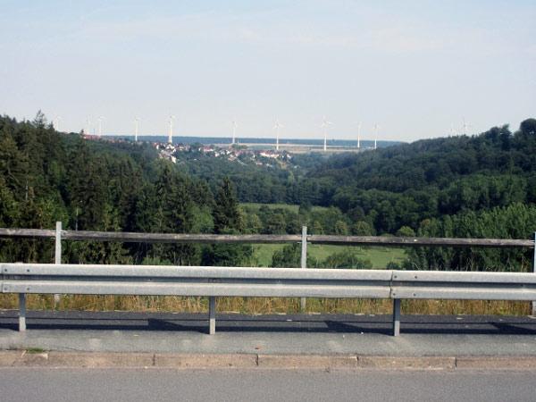 Blick vom Staudamm auf Bad Wünnenberg