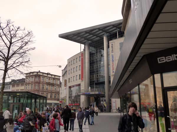 Shoppingcenter Bochum - auf dem Weg zum Bahnhof