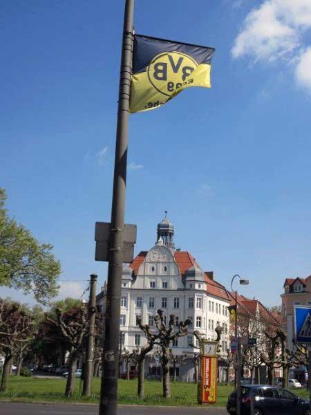 Überall Borussia-Flaggen