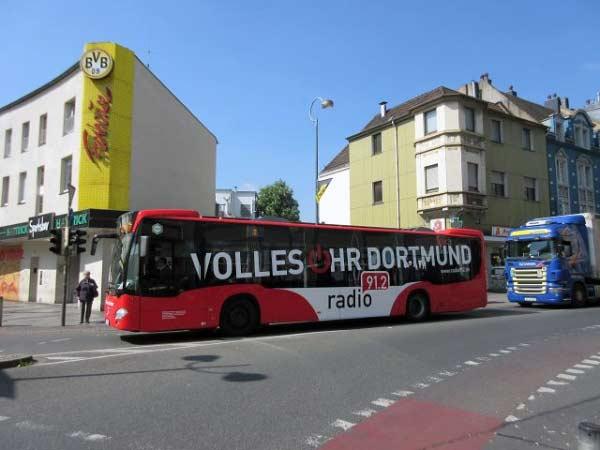 Bus mit Werbung Radio Dortmund