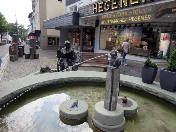 Froschkönig-Brunnen