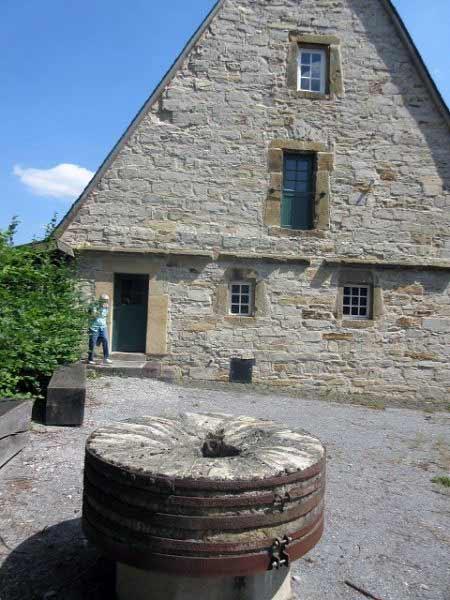 Mittelmühle Mühlstein