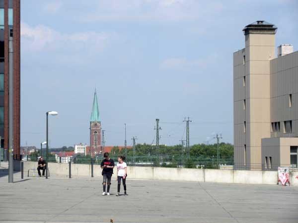 Vorplatz - Blick auf Pauluskirche