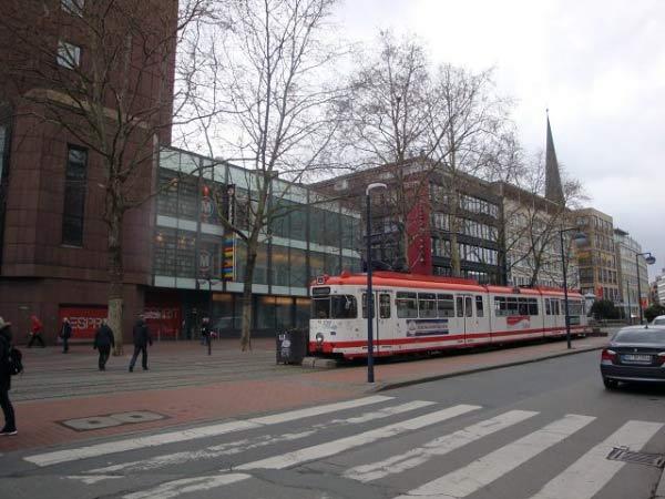 Kampstraße mit Straßenbahn, Dortmund Zentrum