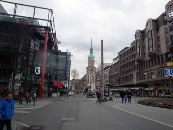 Kampstraße mit Reinoldikirche