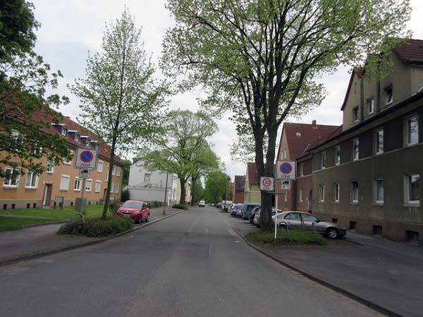 Waldecker Straße, früher Osterfeldstraße