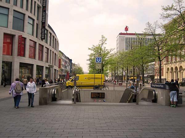 U-Bahn-Station König-Heinrich-Platz