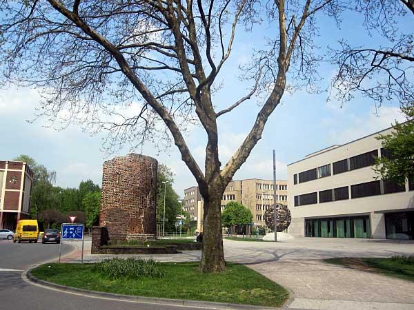 Duisburg, alte Stadtmauer und Stadtturm