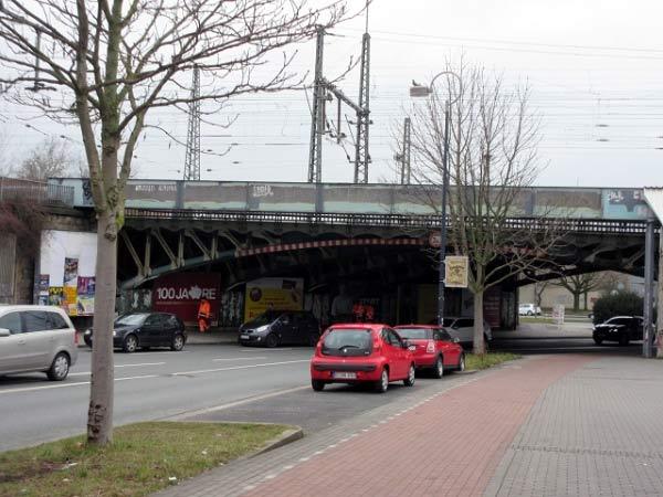 Eisenbahnbrücke am Burgtor