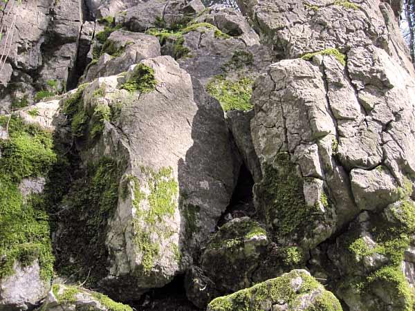 Hönnetal Felsversturz Feldhofhöhle