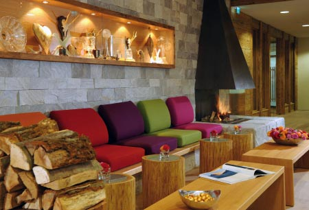 hotel fire and ice - kamin foyer