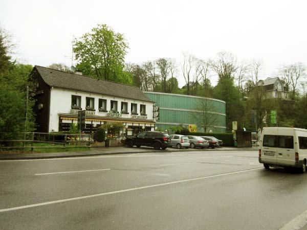 Hotel-Restaurant vor dem Neanderthal-Museum