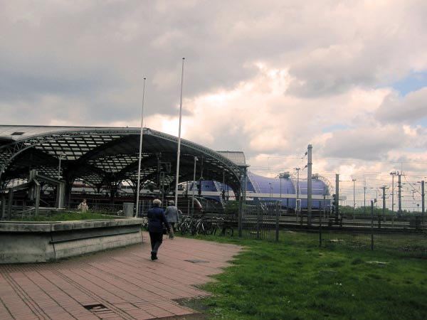 Köln Hauptbahnhof und Musical Dome