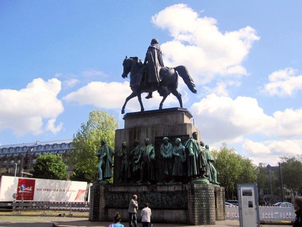 Denkmal Heumarkt