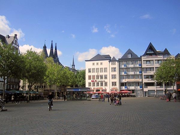 Heumarkt mit Kölner Dom