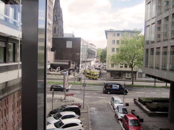 Bimmelbahn auf der Strasse, Köln Zentrum