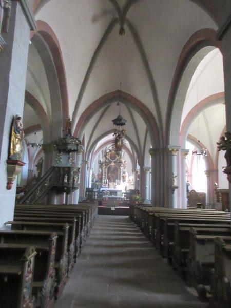 Kirchenschiff Stiftskirche St. Peter und Paul