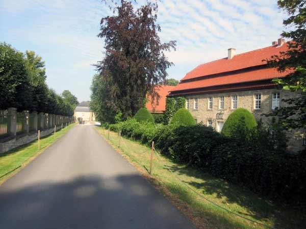 Zufahrt Schloss Fürstenberg und Gutshof