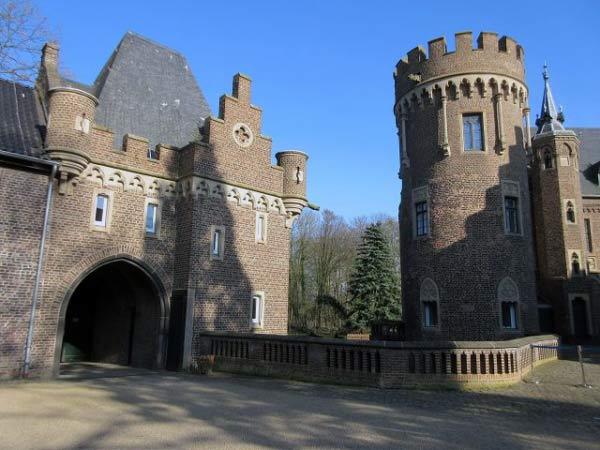Schloss Paffendorf - Torbogen zum Schlosspark