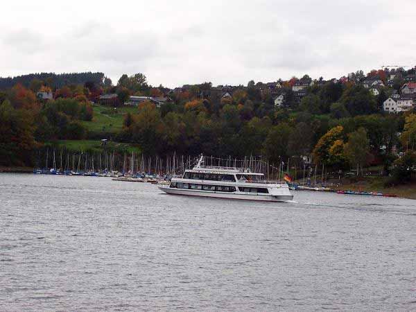 Ausflugsschiff Bootsfahrt Langscheid