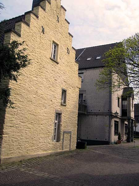 Alte Hausfassaden aus Ruhrsandstein